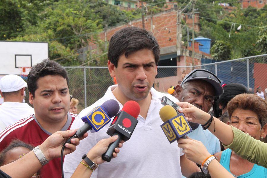 Carlos-Ocariz12