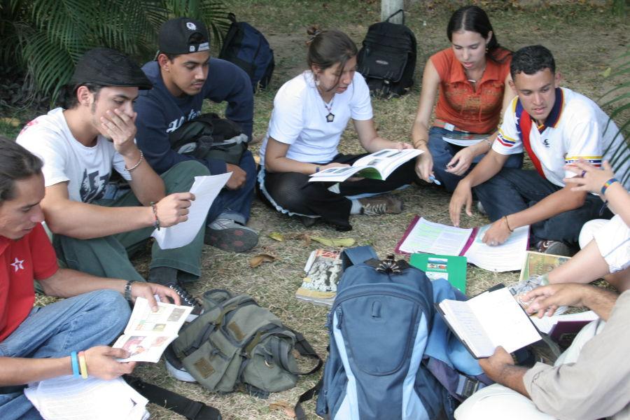 Estudiantes Universitarios Venezolanos 2