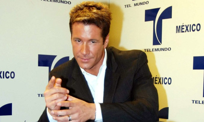 Fernando Carillo, actor venezolano de 45 años de edad podría ser expulsado de los Estados Unidos según confirma la página web mexicana de farándulas Tv Notas.