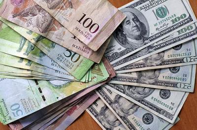 Las reducciones de los cupos, los cambios a la banca pública y otros factores han hecho que algunos venezolanos ahora tengo un poco más de dificultades para obtener dólares a tasas subsidiadas.