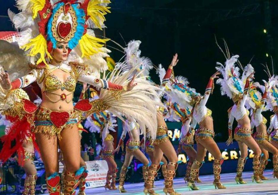 los-cariocas-en-pleno-carnaval-tinerfeno-foto-jesus-d-sousa-carnaval-de-tenerife