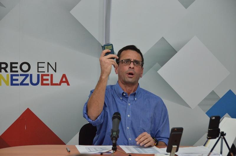Capriles800-28042016au3