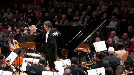Maestro-Gustavo-Dudamel-FundaMusical-Bolivar_NACIMA20160205_0085_6