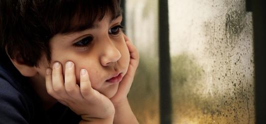miriam-navais-psicologia-clinica-articulos-depresion-tristeza-infantil-nios