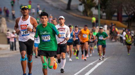 Corredores-Maraton-CAF-Foto-maratoncafcom_NACIMA20160422_0071_21