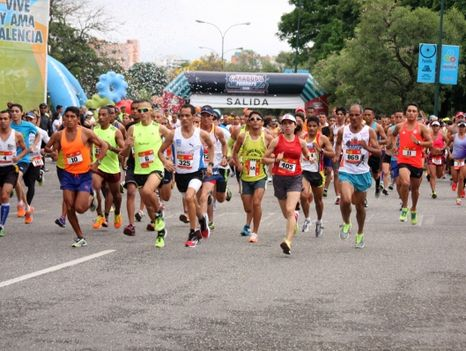 Media-Maraton-Valencia-Foto-caraboborunnerscomve_NACIMA20160520_0057_19
