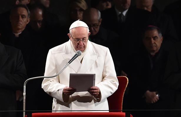 papa-francisco-viacrucis-003