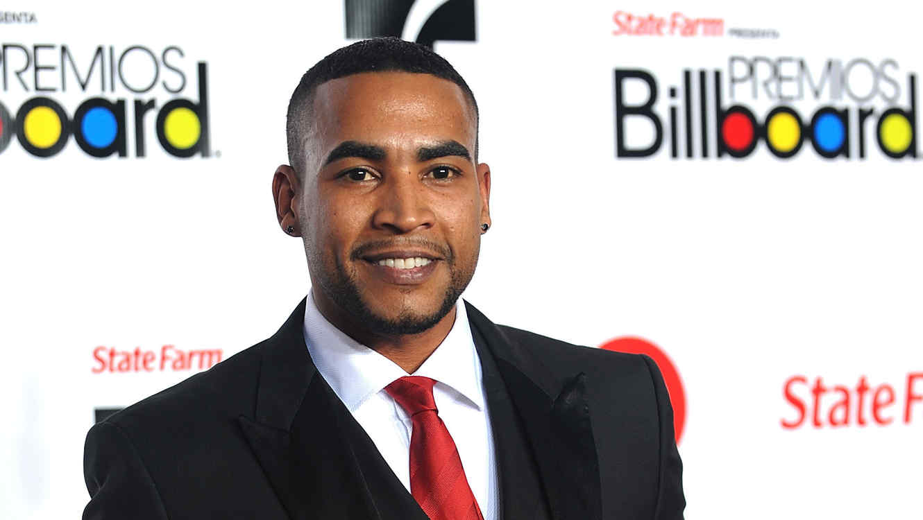 MIAMI, FL - APRIL 28: Don Omar arrives at the 2011 Billboard Latin Music Awards at Bank United Center on April 28, 2011 in Miami, Florida. (Photo by Gustavo Caballero/Getty Images)