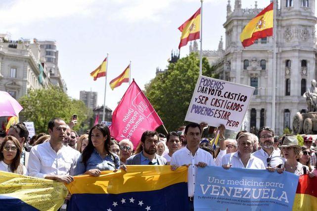 Dirigentes-politicos-manifestacion-favor-Venezuela_ECDIMA20160825_0003_21