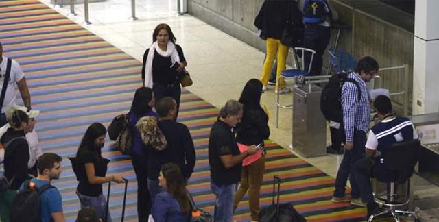 emigrar-aeropuerto-maiquetia-viajar