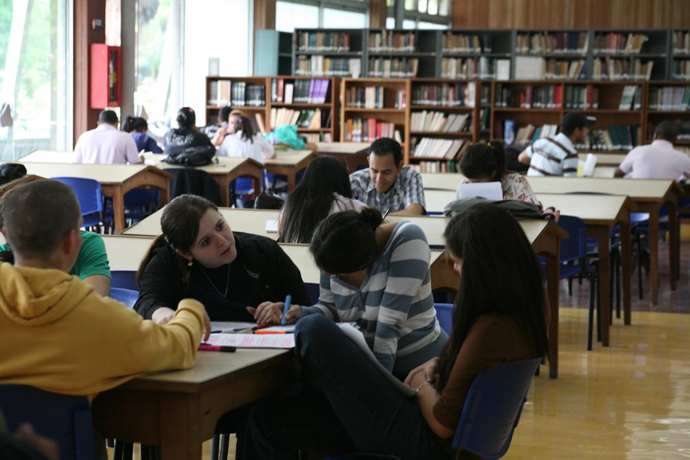 ucv-estudiantes-006